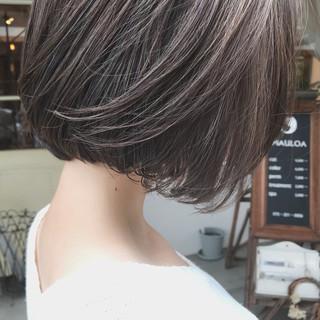切りっぱなしボブ 秋ブラウン デート 毛束感 ヘアスタイルや髪型の写真・画像