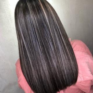ハイライト バレイヤージュ セミロング 外国人風 ヘアスタイルや髪型の写真・画像