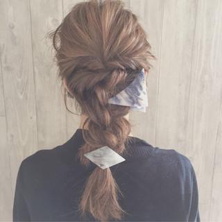 セミロング 三角クリップ 大人女子 大人かわいい ヘアスタイルや髪型の写真・画像