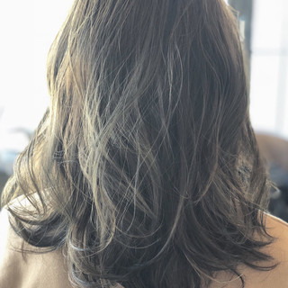 大人女子 外国人風 ミディアム ウェーブ ヘアスタイルや髪型の写真・画像