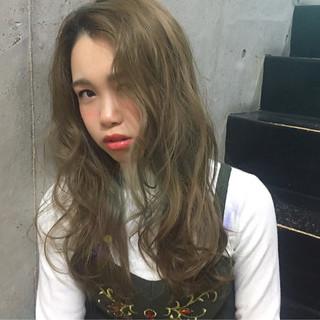 ロング 外国人風 ナチュラル ガーリー ヘアスタイルや髪型の写真・画像
