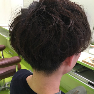 マッシュ パーマ ナチュラル ショート ヘアスタイルや髪型の写真・画像