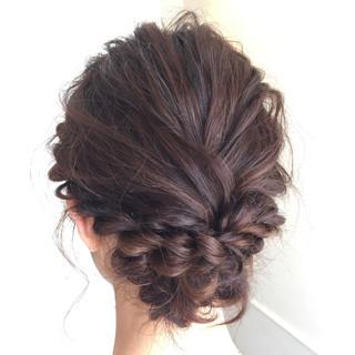 ミディアム 波ウェーブ 簡単ヘアアレンジ ヘアアレンジ ヘアスタイルや髪型の写真・画像