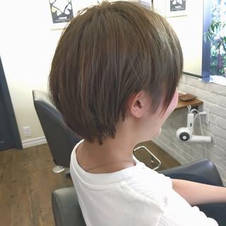 リラックス ショート ハイトーン ナチュラル ヘアスタイルや髪型の写真・画像
