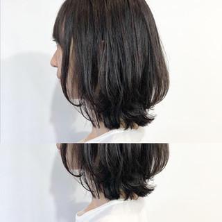 ミディアム オフィス 黒髪 デート ヘアスタイルや髪型の写真・画像