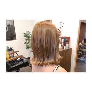 ホワイトアッシュ 外ハネ 透明感 ストリート ヘアスタイルや髪型の写真・画像