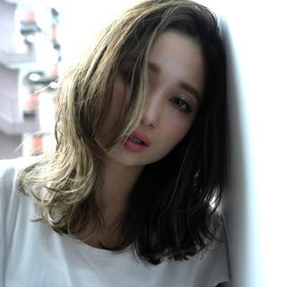 暗髪 グラデーションカラー 大人かわいい アッシュ ヘアスタイルや髪型の写真・画像
