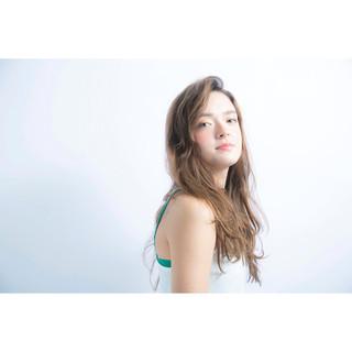 フェミニン イルミナカラー 大人かわいい アッシュ ヘアスタイルや髪型の写真・画像