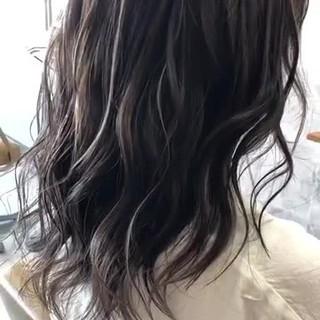 極細ハイライト ハイライト エレガント セミロング ヘアスタイルや髪型の写真・画像