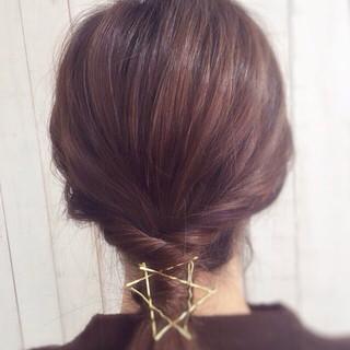 ローポニーテール 夏 ヘアアクセ くるりんぱ ヘアスタイルや髪型の写真・画像
