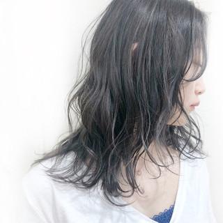 ハイライト 透明感 ナチュラル グレージュ ヘアスタイルや髪型の写真・画像
