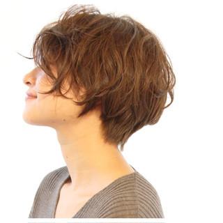 ナチュラル アッシュ 小顔 パーマ ヘアスタイルや髪型の写真・画像