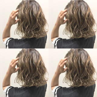 外国人風 ブラウン ハイライト 暗髪 ヘアスタイルや髪型の写真・画像