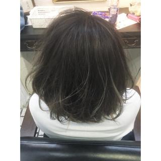 ハイライト グレージュ ガーリー 外ハネ ヘアスタイルや髪型の写真・画像