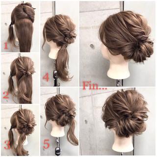 ヘアアレンジ セミロング フェミニン ナチュラル ヘアスタイルや髪型の写真・画像
