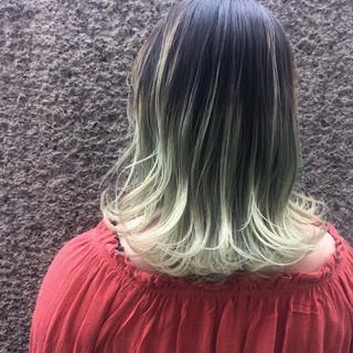 ガーリー アンニュイ 切りっぱなし グラデーションカラー ヘアスタイルや髪型の写真・画像