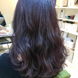 ダブルカラー セミロング アッシュ デート ヘアスタイルや髪型の写真・画像