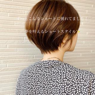 ナチュラル アンニュイほつれヘア ショート 小顔ショート ヘアスタイルや髪型の写真・画像
