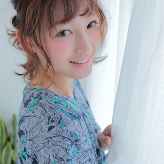 アップスタイル ヘアアレンジ 波ウェーブ フェミニン ヘアスタイルや髪型の写真・画像
