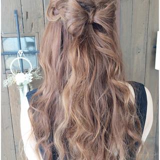 ハーフアップ 大人かわいい 簡単ヘアアレンジ 外国人風 ヘアスタイルや髪型の写真・画像