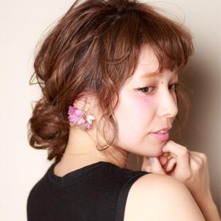 フェミニン 外国人風 ロング ブラウン ヘアスタイルや髪型の写真・画像