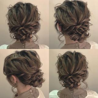 グレージュ 外国人風カラー 結婚式 ナチュラル ヘアスタイルや髪型の写真・画像