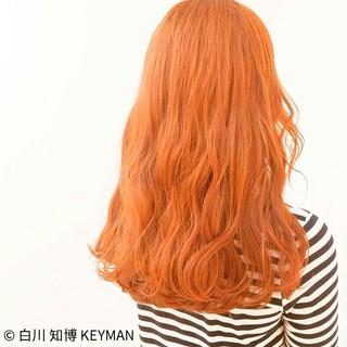 オレンジ ロング イエロー ダブルカラー ヘアスタイルや髪型の写真・画像