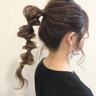 ナチュラル ネジネジポニー ポニーテールアレンジ ロング ヘアスタイルや髪型の写真・画像