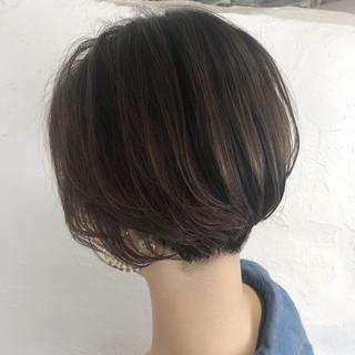 グレージュ ハンサムショート 小顔ショート ショート ヘアスタイルや髪型の写真・画像