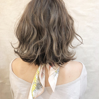 ハイライト オフィス スポーツ ミディアム ヘアスタイルや髪型の写真・画像