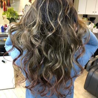 西海岸風 ハイライト 外国人風カラー エレガント ヘアスタイルや髪型の写真・画像