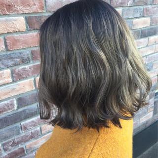 ボブ 外国人風 グレージュ ストリート ヘアスタイルや髪型の写真・画像