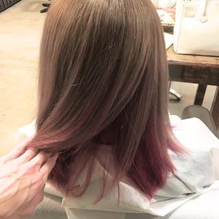 フェミニン 外国人風カラー ミディアム インナーカラー ヘアスタイルや髪型の写真・画像