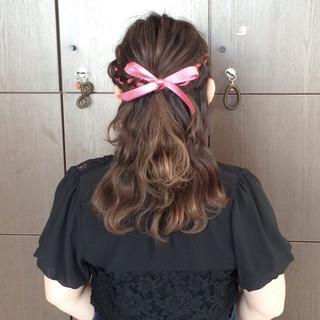 編み込み ガーリー ショート 大人かわいい ヘアスタイルや髪型の写真・画像