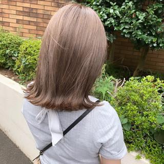 ナチュラル グレージュ 透明感カラー 切りっぱなしボブ ヘアスタイルや髪型の写真・画像