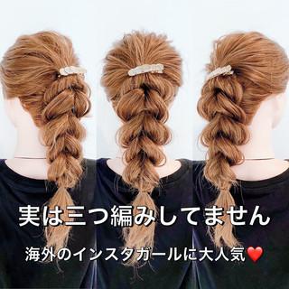 三つ編み ロング セルフヘアアレンジ フェミニン ヘアスタイルや髪型の写真・画像