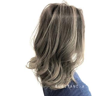 グラデーションカラー エレガント 上品 ハイライト ヘアスタイルや髪型の写真・画像