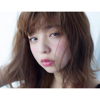 外国人風 暗髪 外ハネ 透明感 ヘアスタイルや髪型の写真・画像