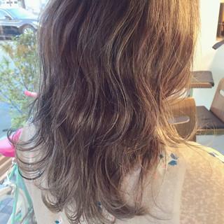 グラデーションカラー ハイライト ヘアアレンジ 外国人風 ヘアスタイルや髪型の写真・画像