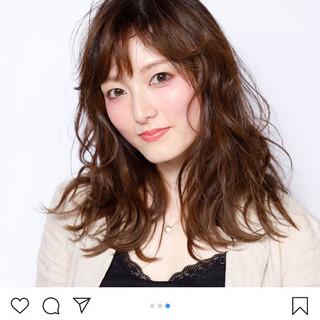 ミディアムレイヤー ヌーディベージュ レイヤーボブ レイヤーカット ヘアスタイルや髪型の写真・画像