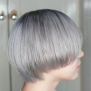 ホワイトブリーチ モード ボブ ハイトーン ヘアスタイルや髪型の写真・画像