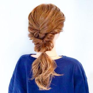 オフィス 簡単ヘアアレンジ エレガント 上品 ヘアスタイルや髪型の写真・画像
