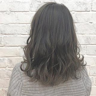 グレージュ ミディアム デート 透明感 ヘアスタイルや髪型の写真・画像