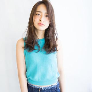 ピュア 大人かわいい セミロング 外国人風 ヘアスタイルや髪型の写真・画像