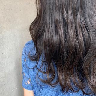 ナチュラル 波ウェーブ ロング 透明感カラー ヘアスタイルや髪型の写真・画像