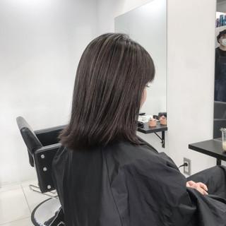 ナチュラル ツヤ髪 グレージュ 3Dハイライト ヘアスタイルや髪型の写真・画像