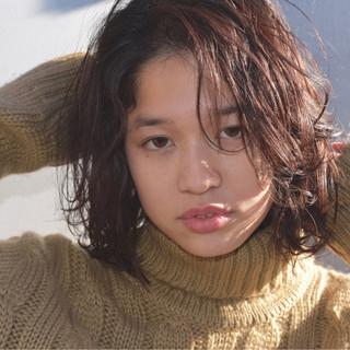 大人女子 黒髪 ニュアンス センターパート ヘアスタイルや髪型の写真・画像
