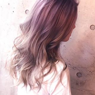ブリーチ セミロング ブリーチカラー ストリート ヘアスタイルや髪型の写真・画像