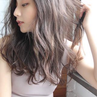 簡単ヘアアレンジ アウトドア パーマ ナチュラル ヘアスタイルや髪型の写真・画像