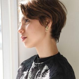 パーマ ショート 外国人風 マニッシュ ヘアスタイルや髪型の写真・画像